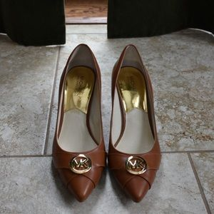 MICHAEL KORS Brown Leather Heels with Gold Logo
